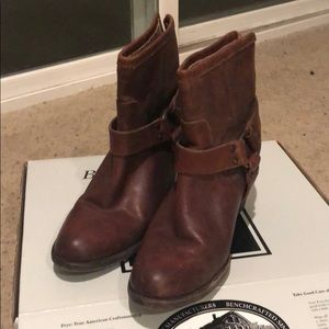 Brand new Frye boots only worn once!!